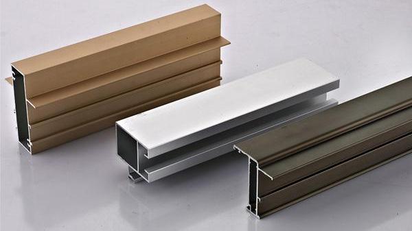铝型材表面处理添加剂氟化氢铵含量的影响