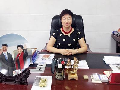 董事长侯艳红女士-江河化工